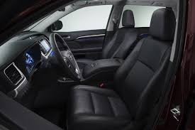 toyota highlander how many seats 2013 vs 2014 toyota highlander what s the difference autotrader