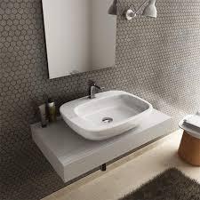 mensola lavabo da appoggio lavabi appoggio in ceramica per il bagno