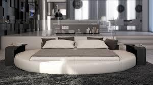 chambre avec lit rond lit design rond affordable lit rond design big