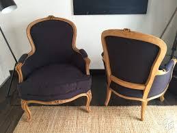 tapisser un canapé les 25 meilleures idées de la catégorie canapé fauteuil sur