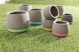 decoration avec des pots en terre cuite cache pot en terre cuite de gifi