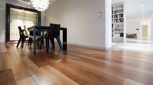 Hardwood Floor Laminate Showplace Floors Flooring In Venice Fl Flooring Professionals