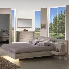 chambre chene massif lit avec led et chevets couleur chêne clair contemporain