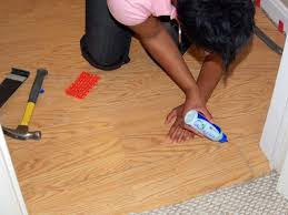 Laminate Floor Adhesive How To Install A Laminate Floating Floor How Tos Diy