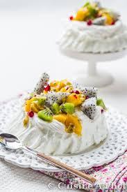 cuisine adict meringue pavlova combava coconut fruits