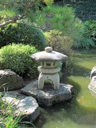 small stone lantern japanese garden designs for small spaces