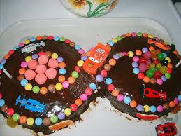 jeux de cuisine de gateaux d anniversaire gâteaux d anniversaire circuit de voiture la cuisine de nawal
