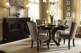 which is better a square dining room table or a round dining room