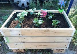 How To Build A Planter by Diy Pallet Planter How To Make A Pallet Planter Balcony Garden Web