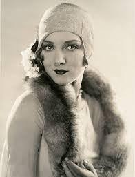 36 vintage photos show a unique and elegant style of 1920s women