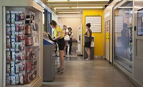 la poste bureau de poste la poste innove à station f avec des services dédiés aux start up