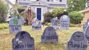 Homemade Grave Decorations Dad Makes Gravestones For Dying Trends As Halloween Display