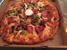 Meat Lovers And Maui Zaui Picture Of Round Table Pizza Lahaina