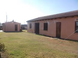 1 bedroom house for sale in buhle park