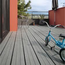 terrasse suspendue en bois pose d u0027une terrasse en bois ou composite de 15 m leroy merlin