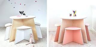chaise table b b chaise et table bebe superbe chaise pour b et table enfant