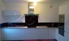 crédence verre trempé cuisine crédence de cuisine originale sur mesure en verre laqué le de