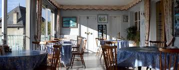 hotel restaurant avec dans la chambre hôtel restaurant aux parasols à pominhac cantal