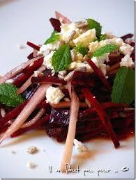 cuisiner betterave crue salade de betterave crue feta poire oliver chez il en faut peu