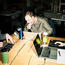 d駛euner au bureau la tristesse et l esthétique du déjeuner au bureau