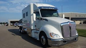 kenworth sleeper trucks 2018 kenworth t680 with 120 inch ari legacy ii rb sleeper 1598