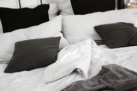 Schlafzimmer Schwarz Weiss Bilder Homestory Schlafzimmer Einrichtung Mein Bett Bezaubernde Nana