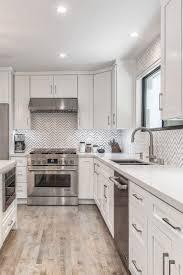 white shaker kitchen cabinets backsplash 91867 remodel kitchen with all white shaker cabinets and