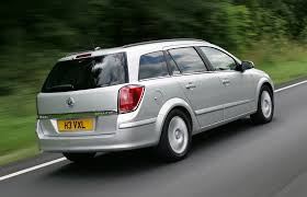 opel vectra caravan 2005 vauxhall astra estate review 2004 2010 parkers