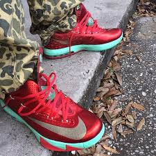 christmas kd 6 the daily photos 2 6 14 theshoegame sneakers information
