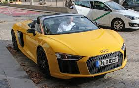 Audi R8 Front - spied 2017 audi r8 spyder caught in the buff photo u0026 image gallery