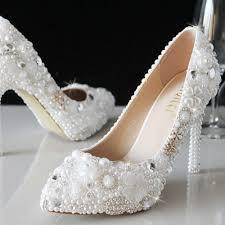 escarpins blancs mariage chaussure mariage incrustées perles et strass trèfle escarpin