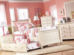 cottage retreat single poster bed furniture wonderland