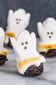 diy melting ghost halloween macarons macarons cakepops and sugaring