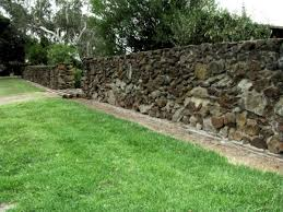 Fake Rocks For Gardens by Building Good Looking Stone Walls