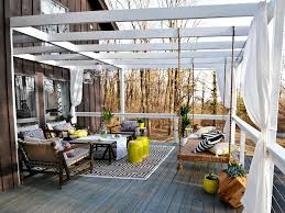Covered Patio Decorating Ideas by Beautiful Patio Decorating Ideas With Roof Adjacent To Grass