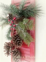 14 diy christmas door decorations holiday door decorating ideas