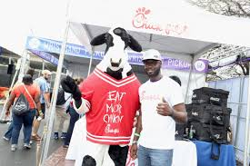 fil a fan experience new fil a tailgate experience will keep saturday s chicken