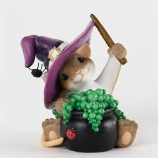 wizard mouse with caudron charming tails figurine 4034323