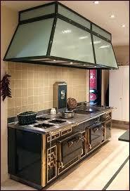fourneau de cuisine fourneaux cuisine piano cuisine central tout inox avec hotte