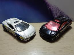 matchbox lamborghini diablo j and j toys matchbox monday lamborghini gallardo lp 560 4 poliza
