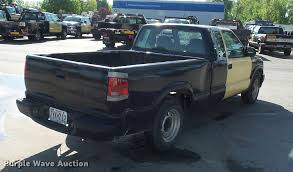 2003 chevrolet s10 ext cab pickup truck item dd9411 sol