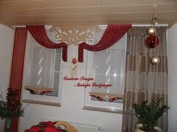 gardine für küche außergewöhnlicher schiebevorhang in rot mit feinen details http