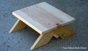 Wood Step Stool Plans Free by Two Yellow Birds Decor Diy Wood Step Stool