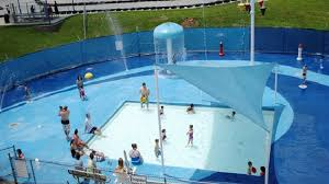 wallace outdoor pool and splash park