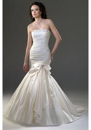 wedding gowns u2013 guide for short curvy chubby and skinny brides