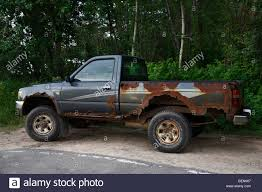 rusty pickup truck old rusty junky toyota pickup truck stock photo 26276775 alamy