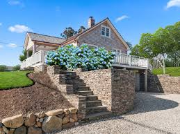 hamptons homes for sale along the 10c bus route