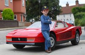 toy ferrari this 97 000 mini ferrari 512 testarossa is the most expensive toy