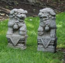foo dogs pair garden ornament statue pillar cap