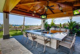 Tropical Outdoor Kitchen Designs A Look At Some Outdoor Kitchens From Houzz Homes Of The Rich